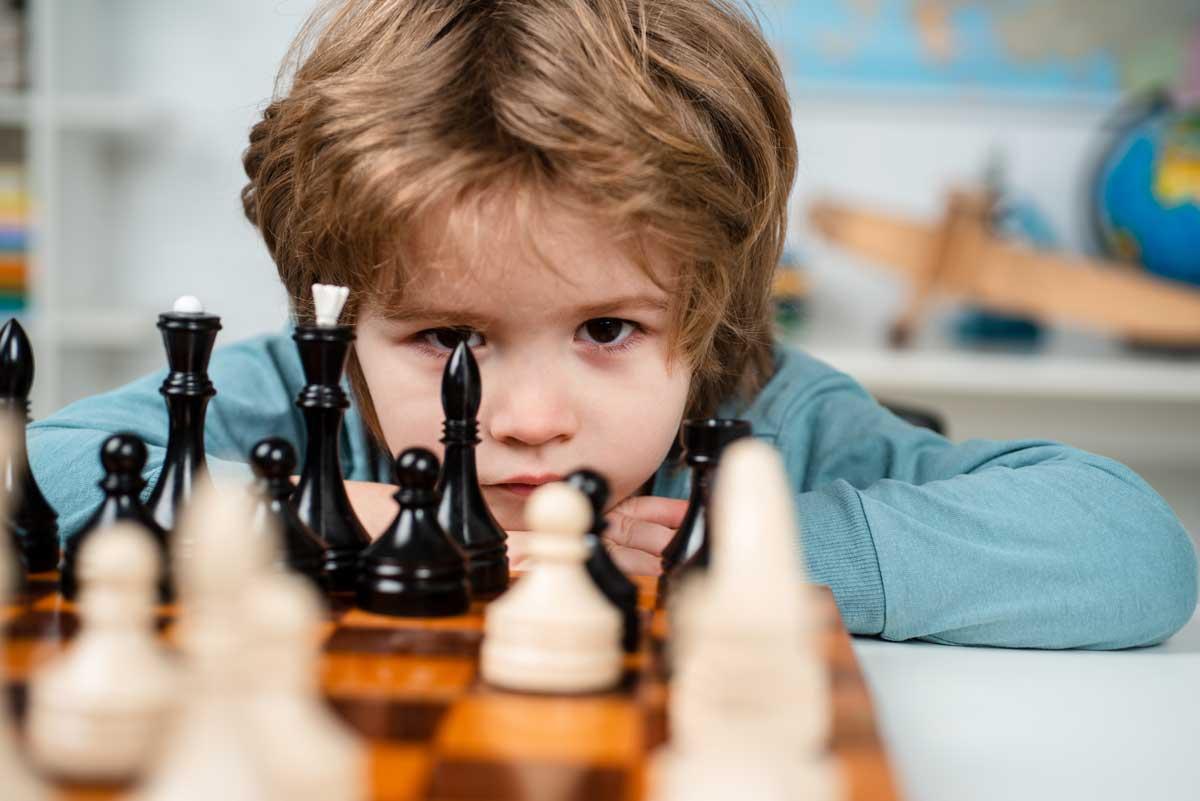 Apprentissage enfants jeux d'échecs
