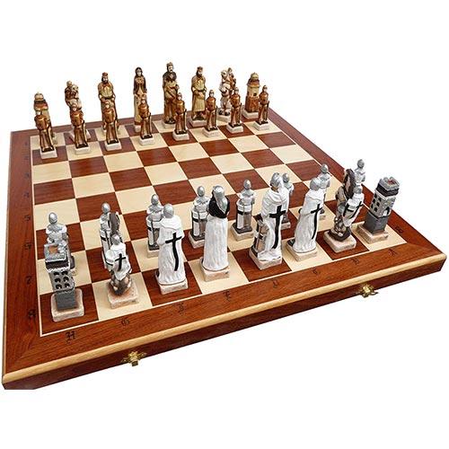 Jeu d'échecs de luxe en marbre retracant la bataille de Grunwald