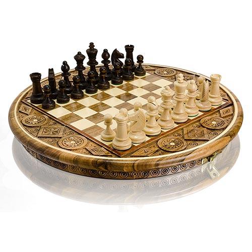 Jeu d'échecs de luxe avec de magnifiques gravures