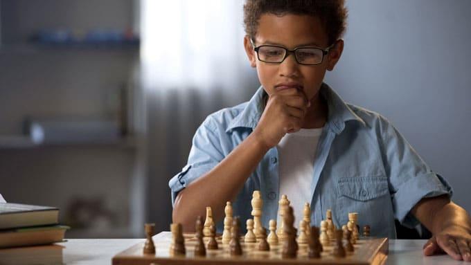 Jouer aux échecs libère la créativité