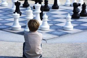 7 leçons de vie que les échecs peuvent enseigner à votre enfant